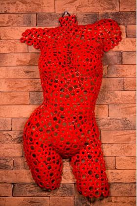 Манекен женский арт - деко из металлических шайб Georgia 01603 красный